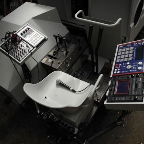 Аудиосистема в виде бульдозера 2
