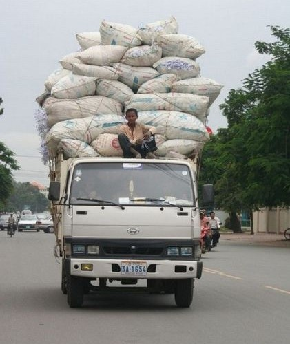 Вот так нужно нагужать грузовик
