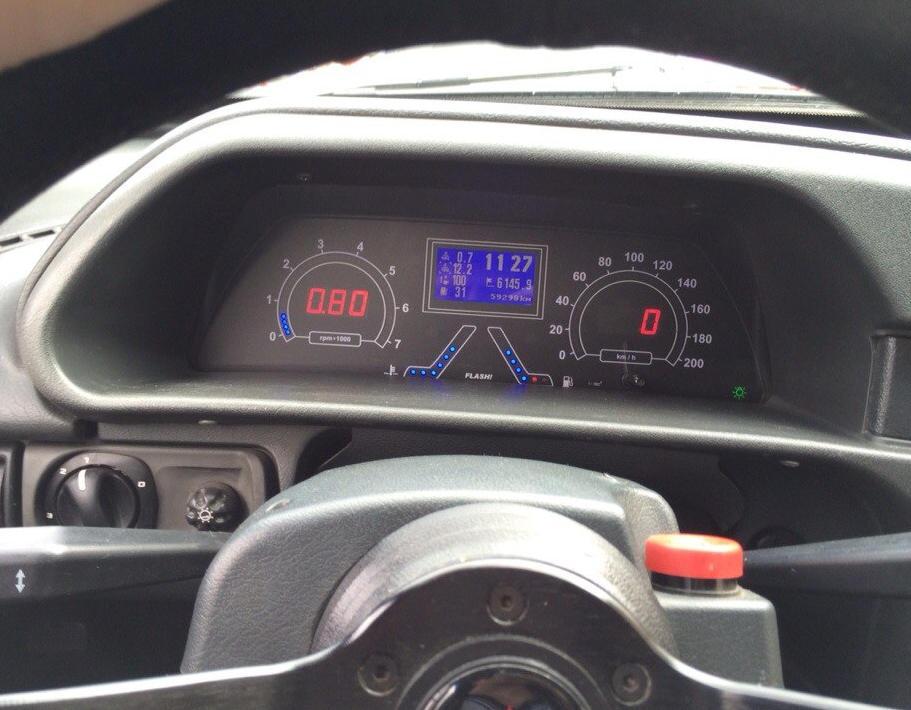 новая панель приборов ВАЗ 2108 тюнинг
