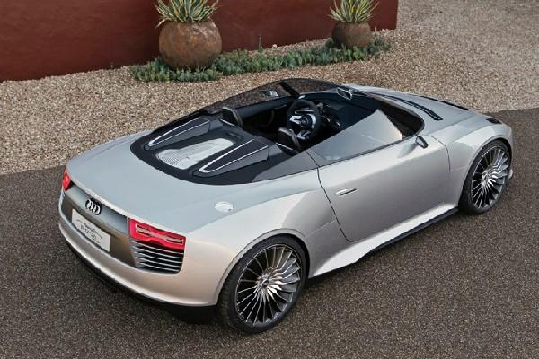 Audi e-tron Spyder фото свеху