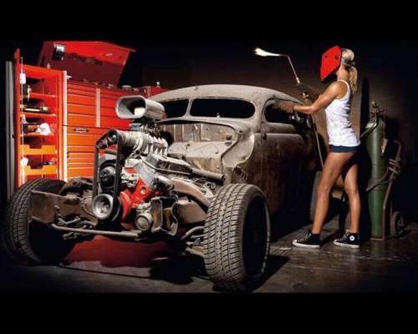 реставрирует авто