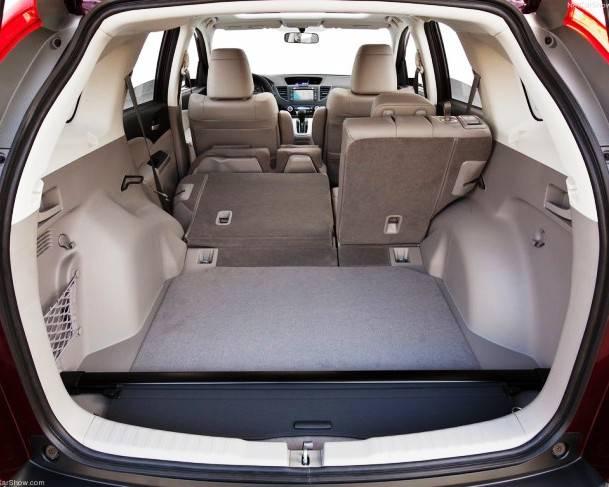 Большой багажник в новой Хонда ЦР-В 2012 года