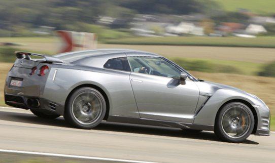 Фото обновленного Nissan GT-R 2012