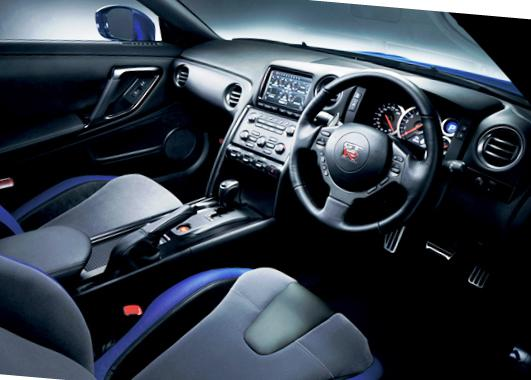 Салон нового Nissan GT-R 2012 модельного года