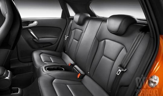 Салон нового пятидверного Audi A1 Sportback