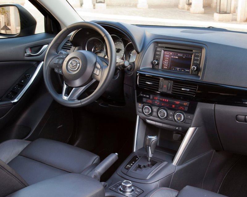 салон Mazda CX-5 2013
