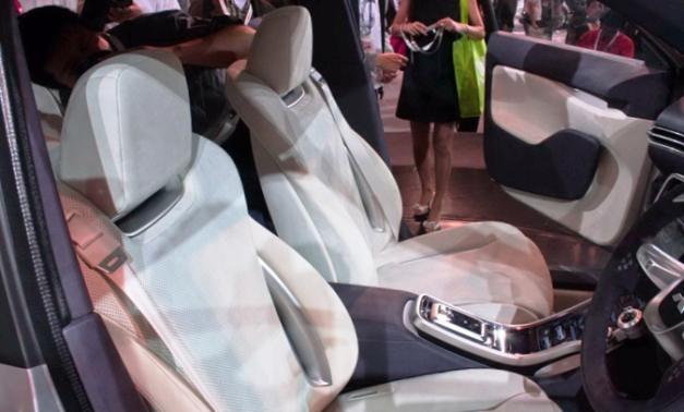Новый Mitsubishi Outlander - фото салона