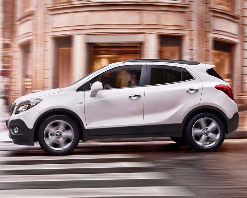 фото Opel Mokka 2013 сбоку