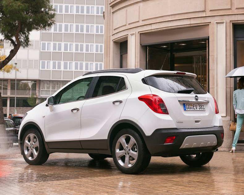 задняя часть Opel Mokka 2013 года