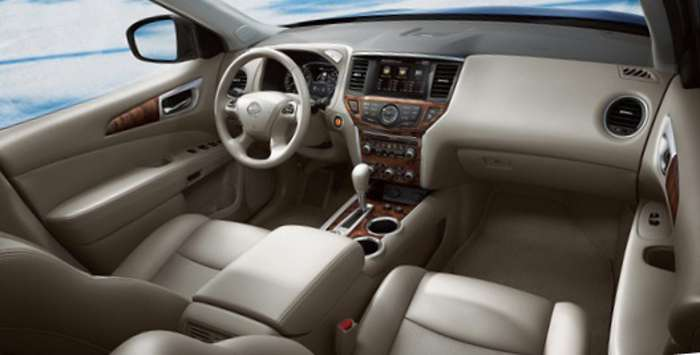 Фото салона Nissan Pathfinder