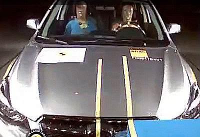 Краш-тест Subaru XV 2012