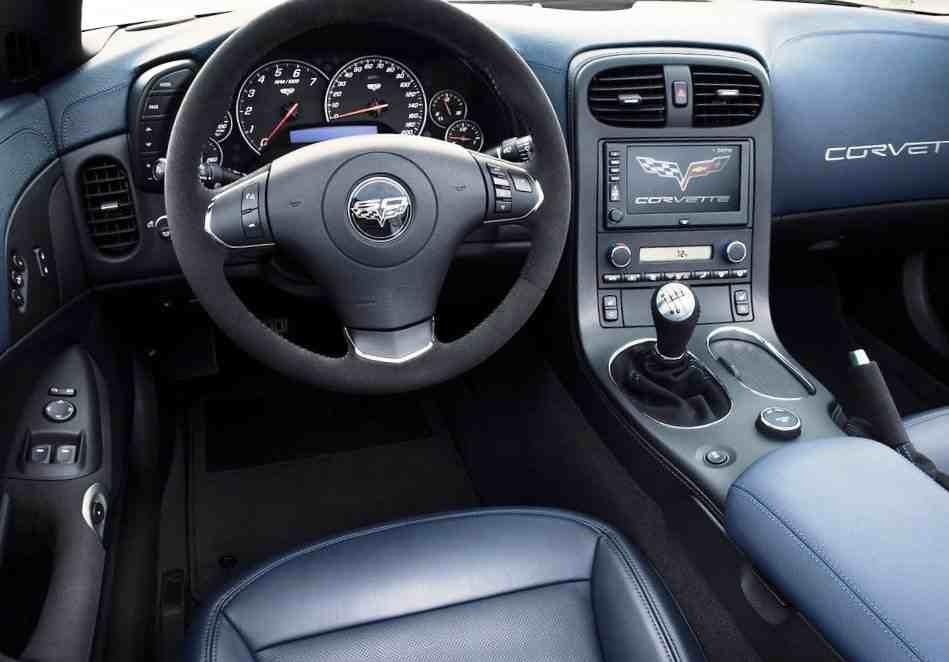 Салон Chevrolet Corvette 427 Convertible
