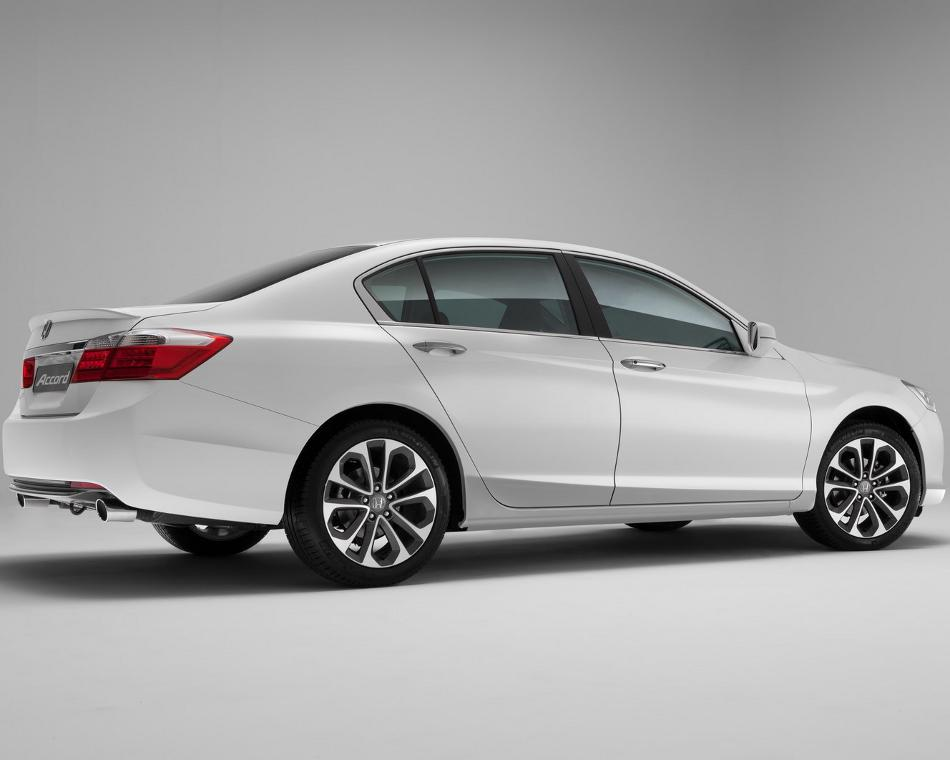 фото Honda Accord 2013 сбоку