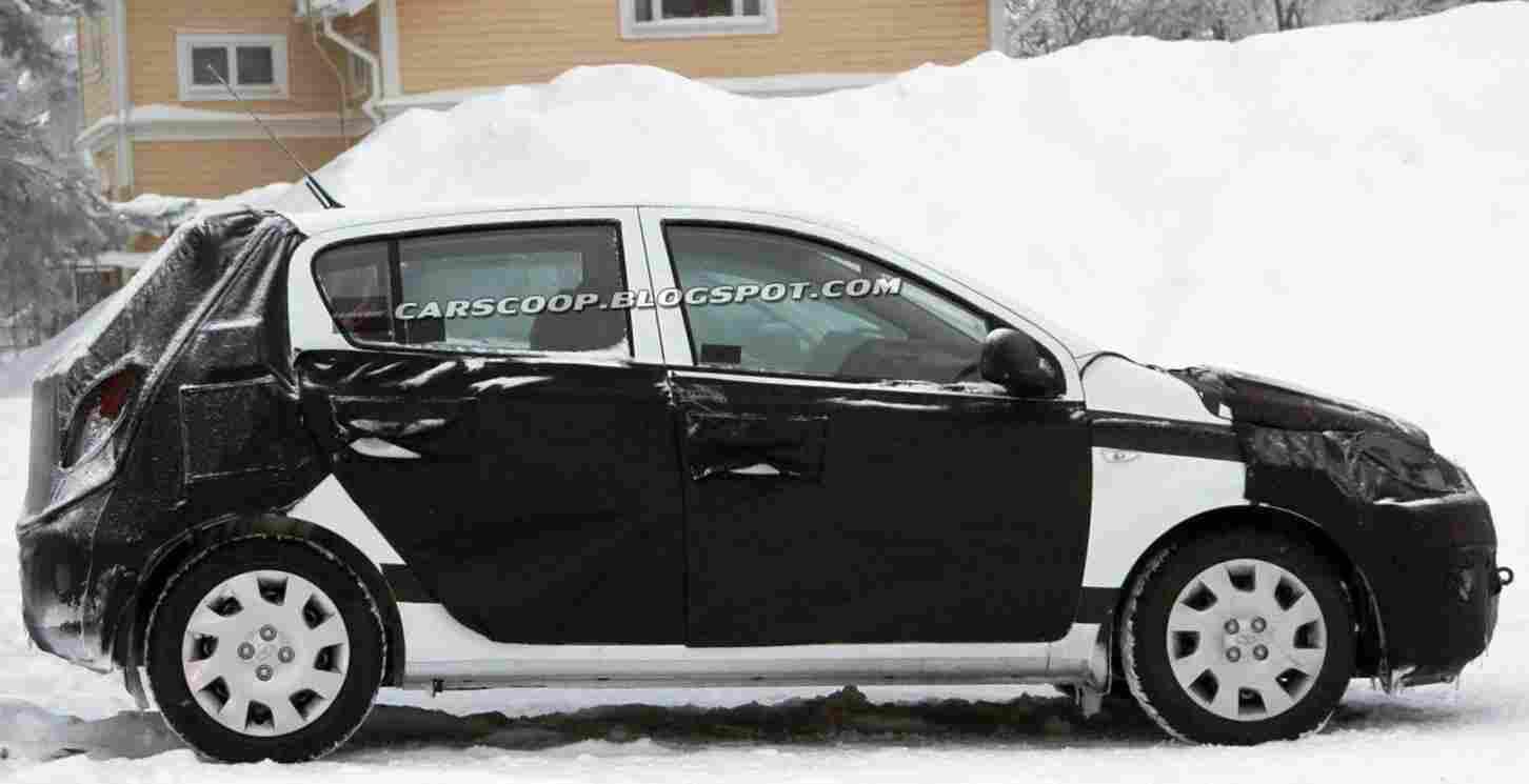 хэтчбэк Hyundai i20 2013 года
