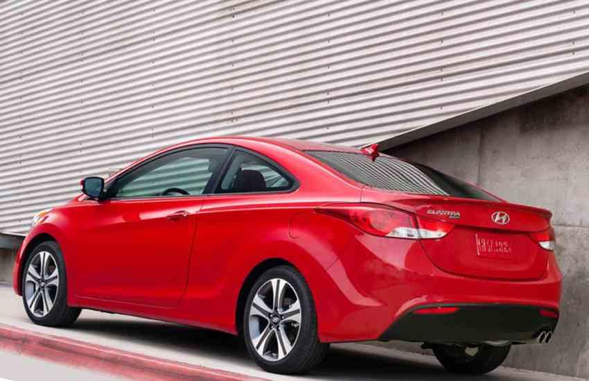Фото купе Hyundai Elantra 2013 года