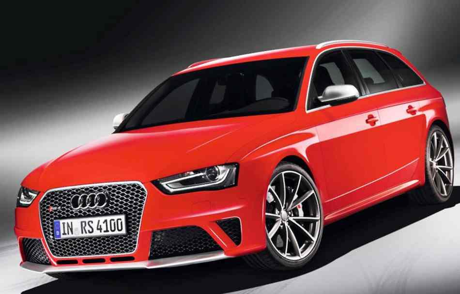 Фото нового Audi RS 4 Avant 2012