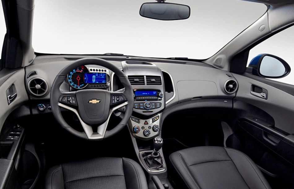 Салон нового Chevrolet Aveo 2012