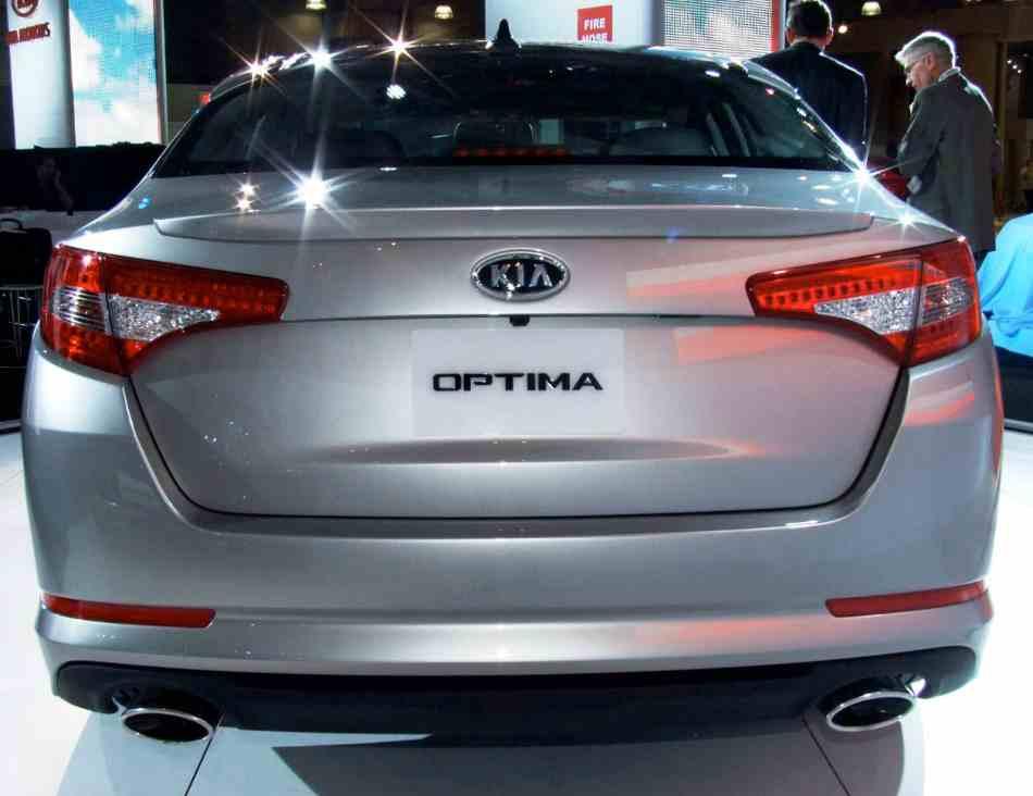 Задние фонари Kia Optima 2012
