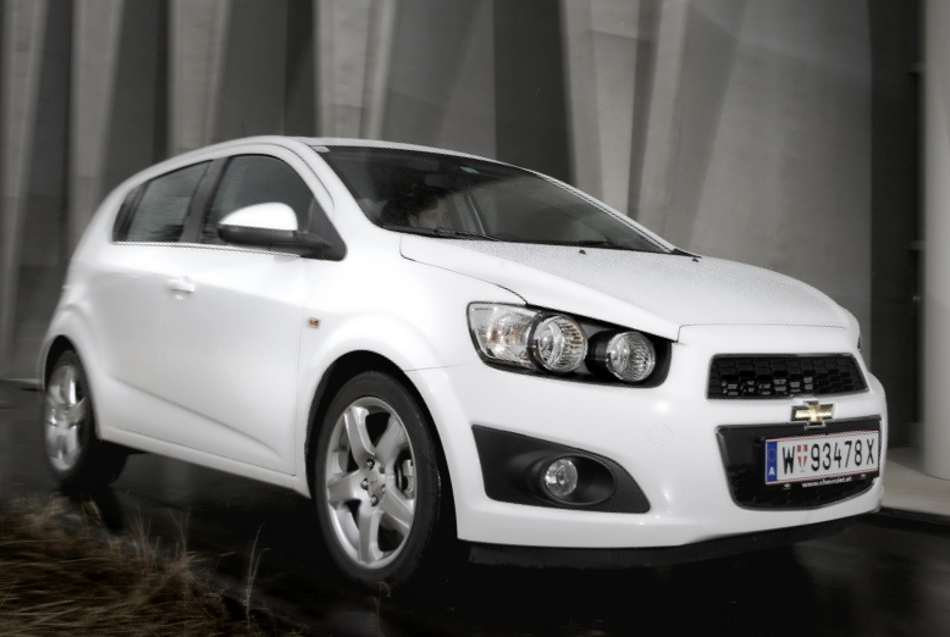 Новый Chevrolet Aveo 2012 хэтчбек