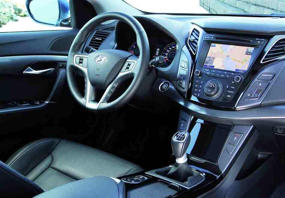 Салон Hyundai i40 2013 года