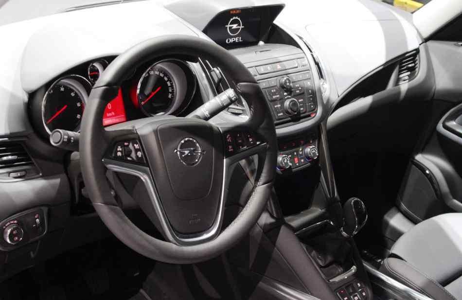 Салон Opel Zafira Tourer 2012