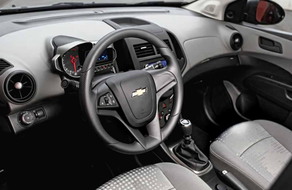 Салон нового Chevrolet Aveo 2012 хэтчбек