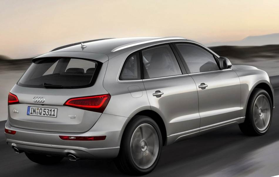 Фото сбоку Audi Q5 2013 года