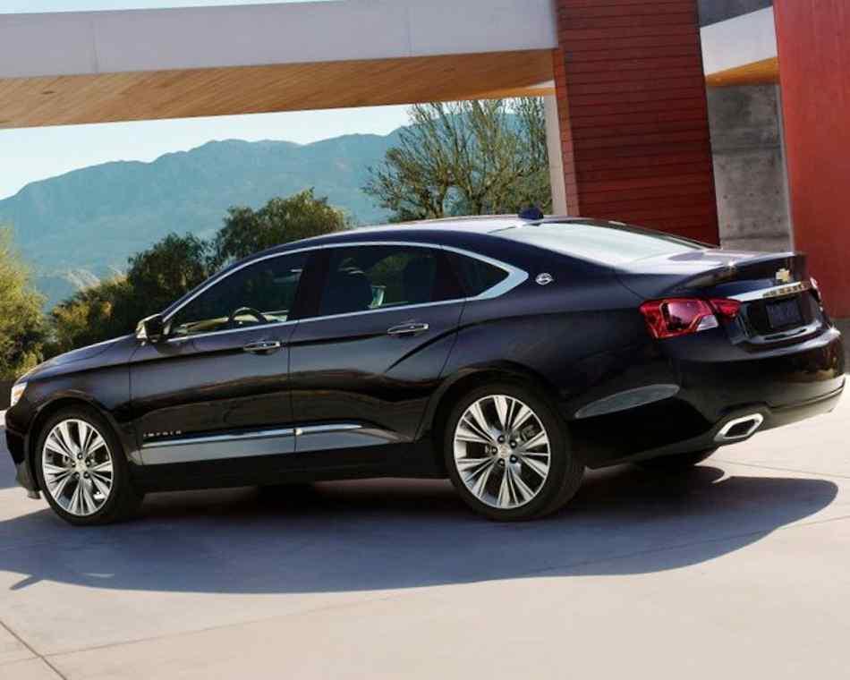 Фото сбоку Chevrolet Impala 2014 года