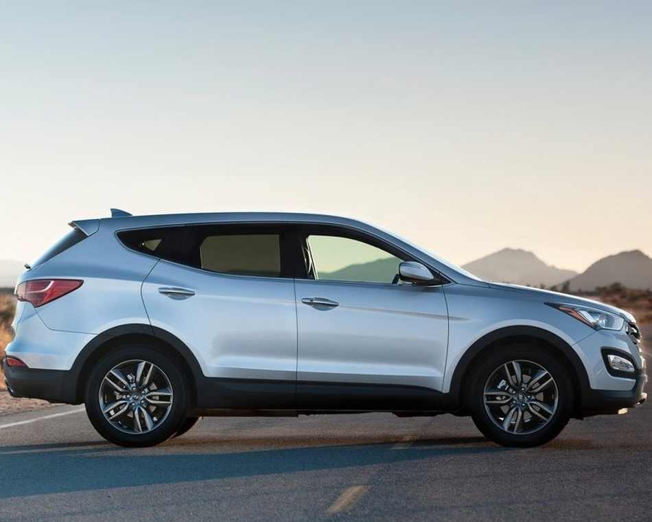 Фото сбоку Hyundai Santa Fe 2013