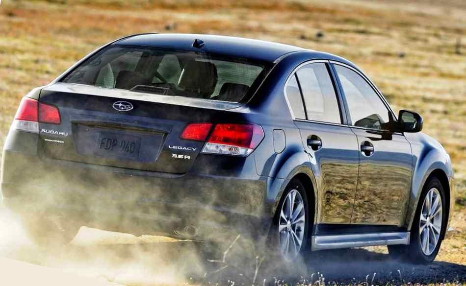 Фото сзади Subaru Legacy 2013