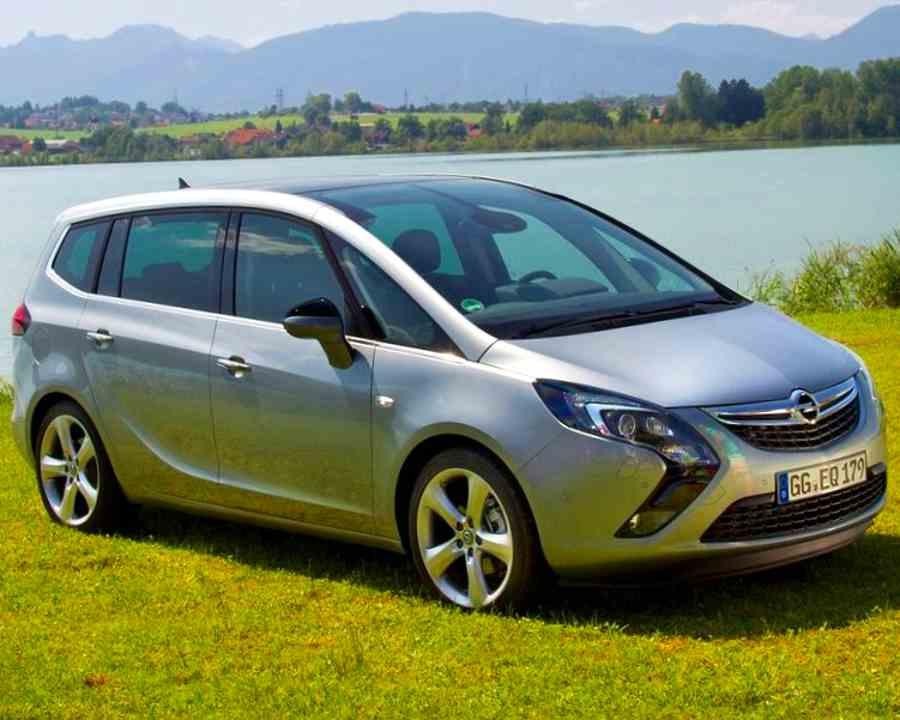 Opel Zafira Tourer 2012 тест-драйв