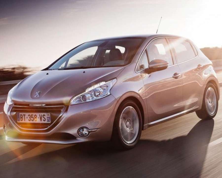 Peugeot 208 2013 фото