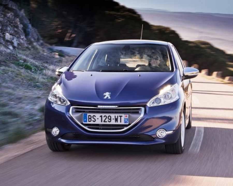 Peugeot 208 - автомобиль для женщин