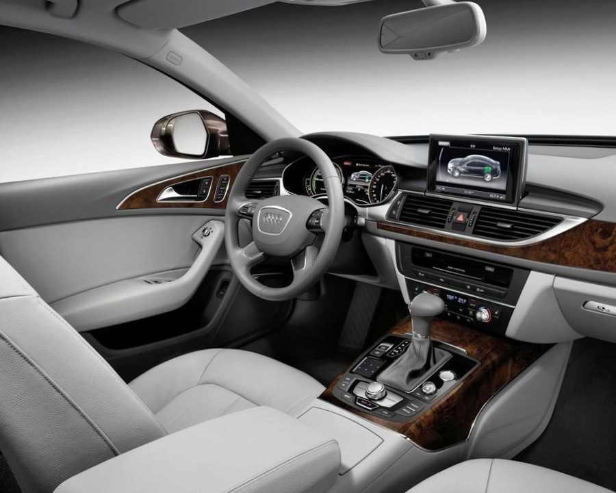 Салон Audi A6 L e-tron 2012