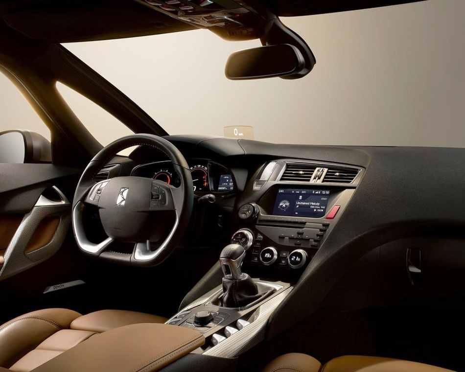 Салон Citroen DS5 2012 года