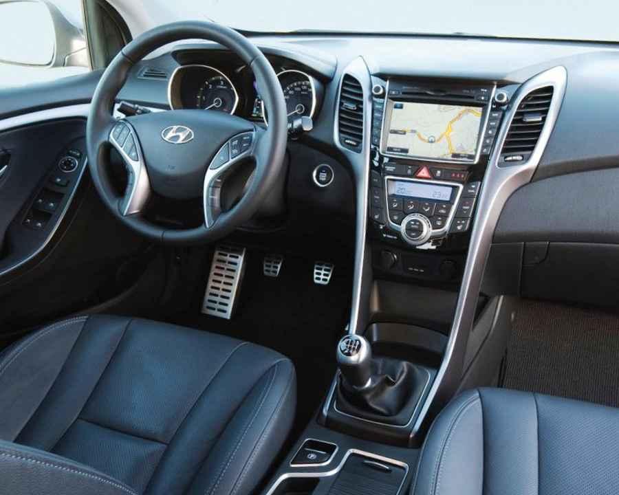 Салон Hyundai i30 2013
