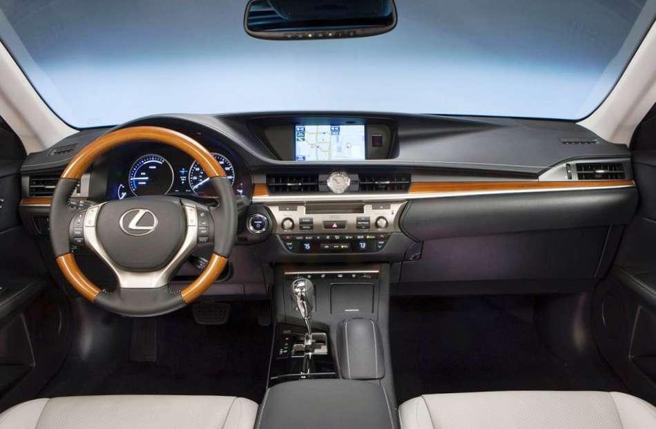 Салон Lexus ES 300h 2013