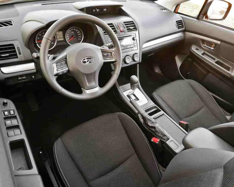 Салон Subaru XV Crosstrek 2013
