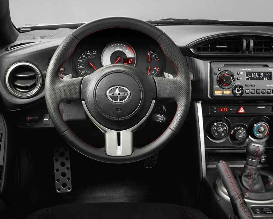 Салон Toyota Scion FR-S 2013