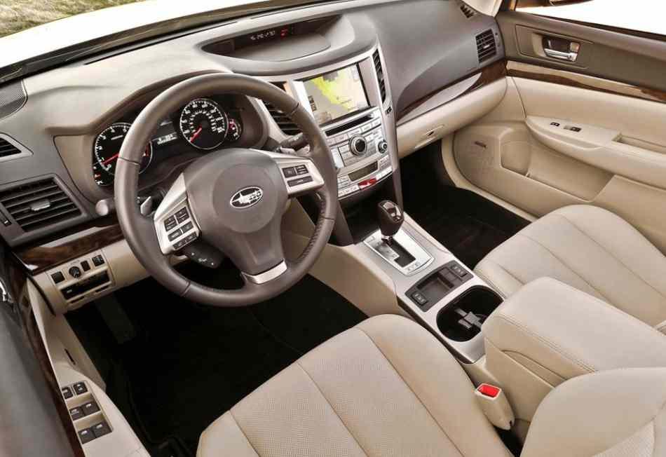 Салон нового Subaru Legacy 2013