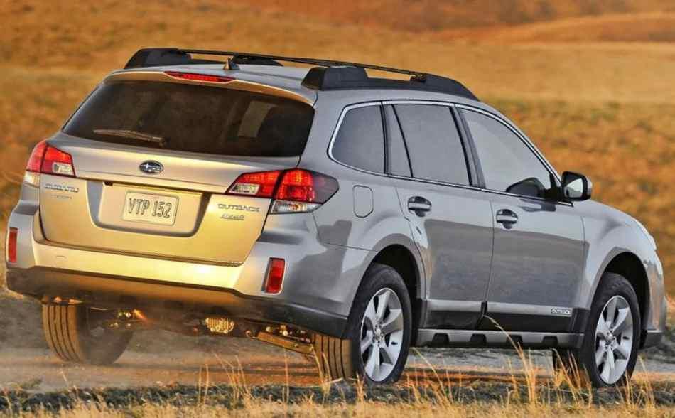 Задние фонари Subaru Outback 2013