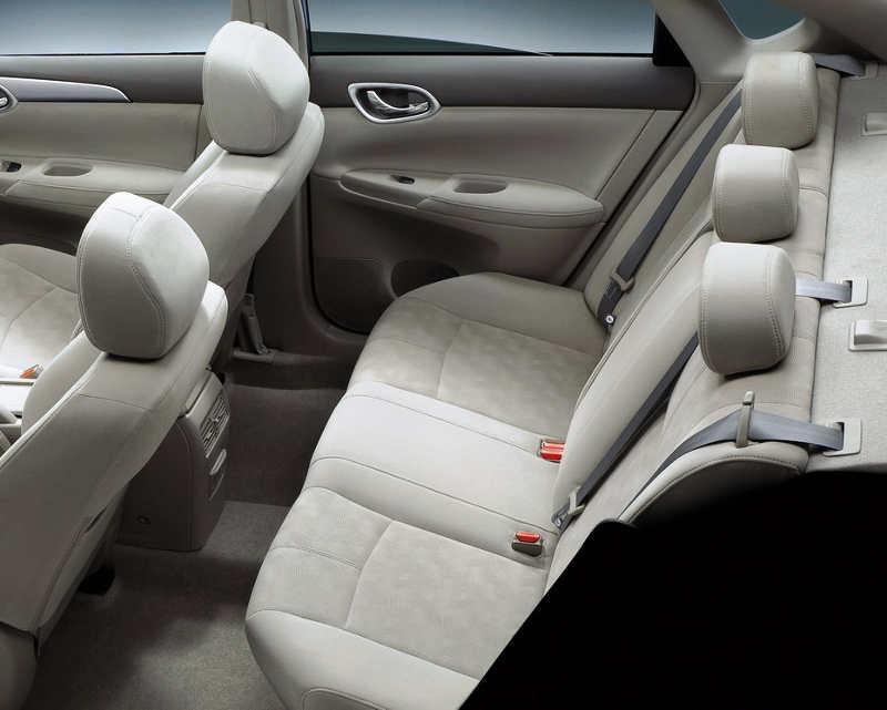 интерьер Nissan Sylphy 2013 года