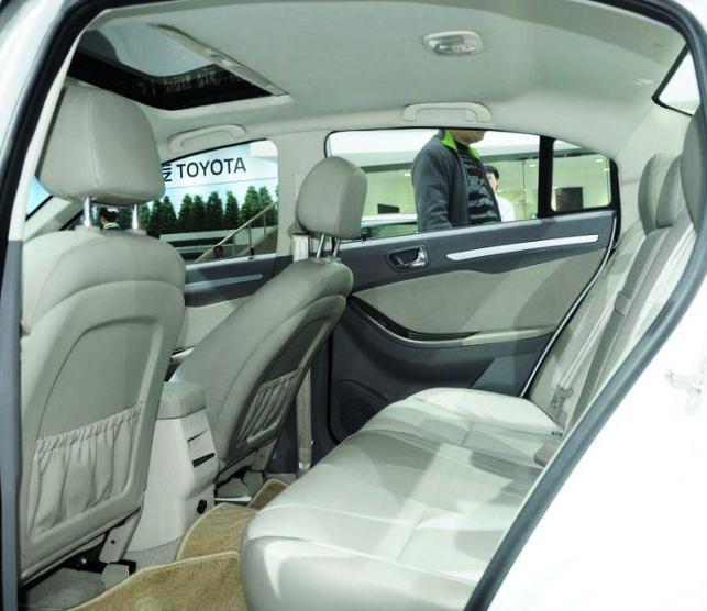 Пассажирские сидения Chery Eastar 2012
