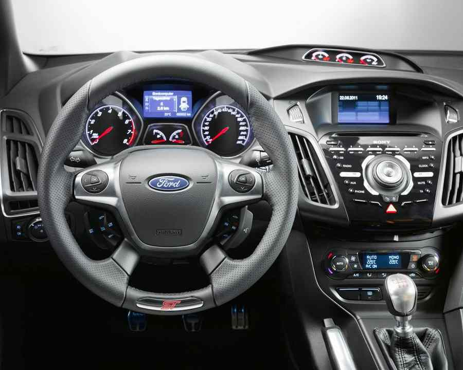 Салон Ford Focus 3 ST 2013 года