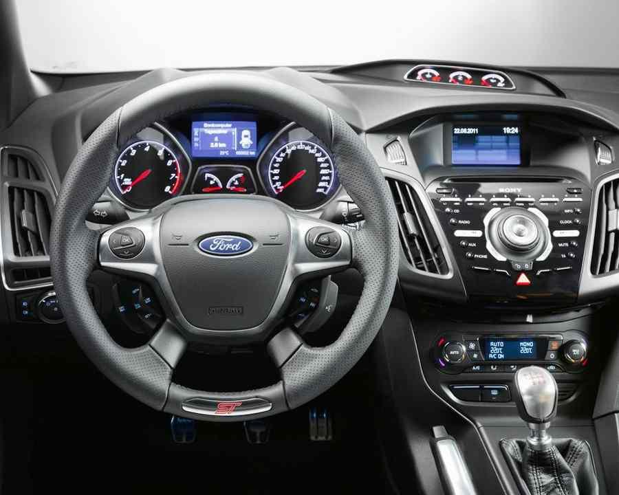 Салон Ford Focus 3 ST 2013 года