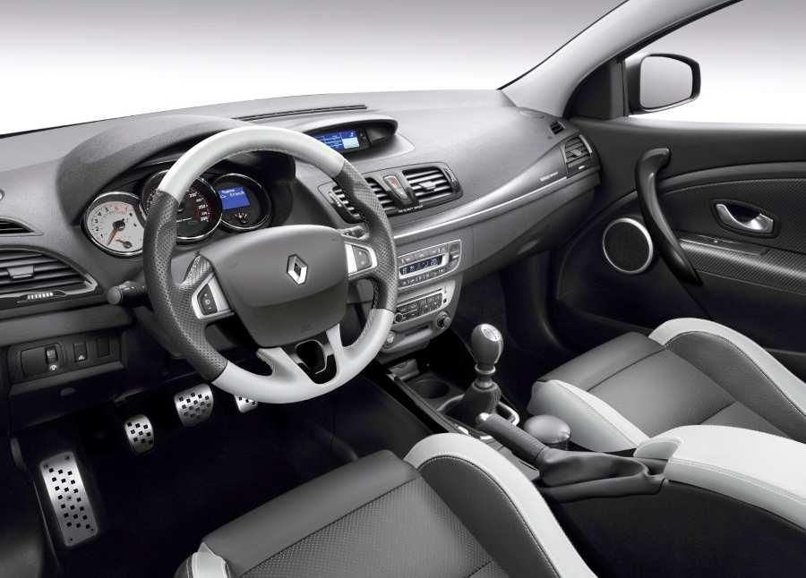 Салон Renault Megane Coupe 2012