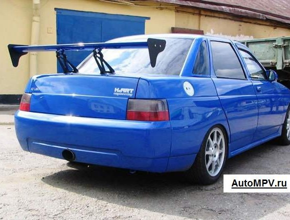 Синий ВАЗ 2110