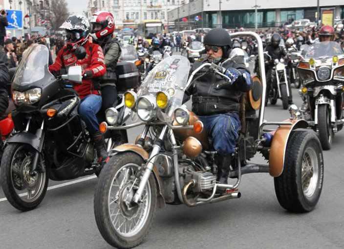 Во Владивостоке открыли мотосезон 2012