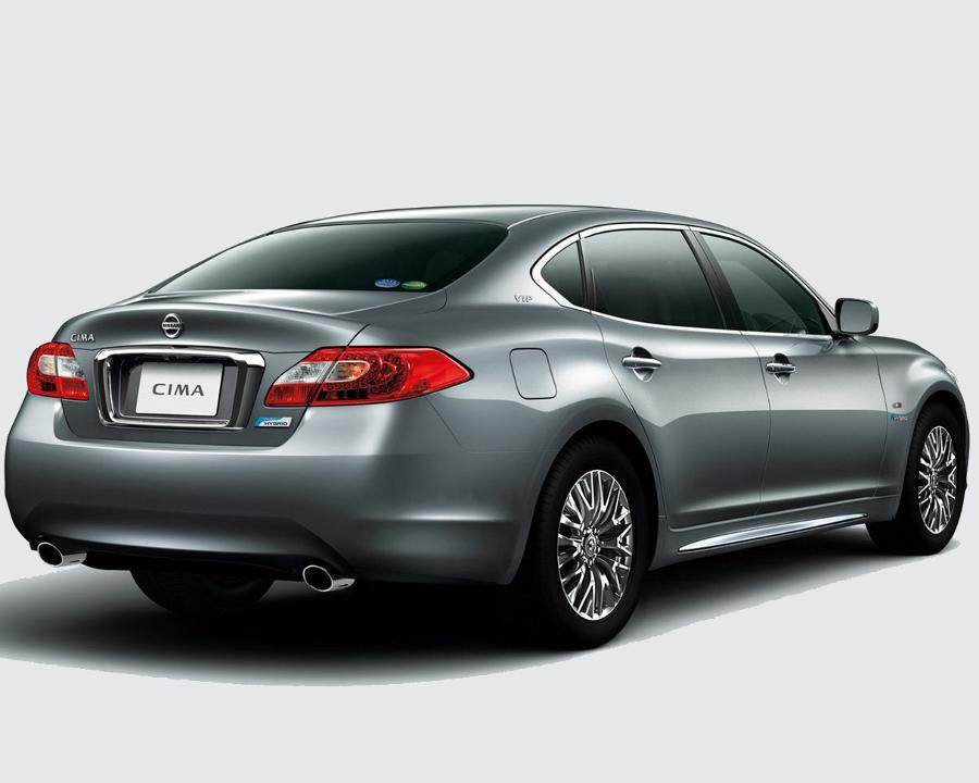 Задние фонари Nissan Cima 2013