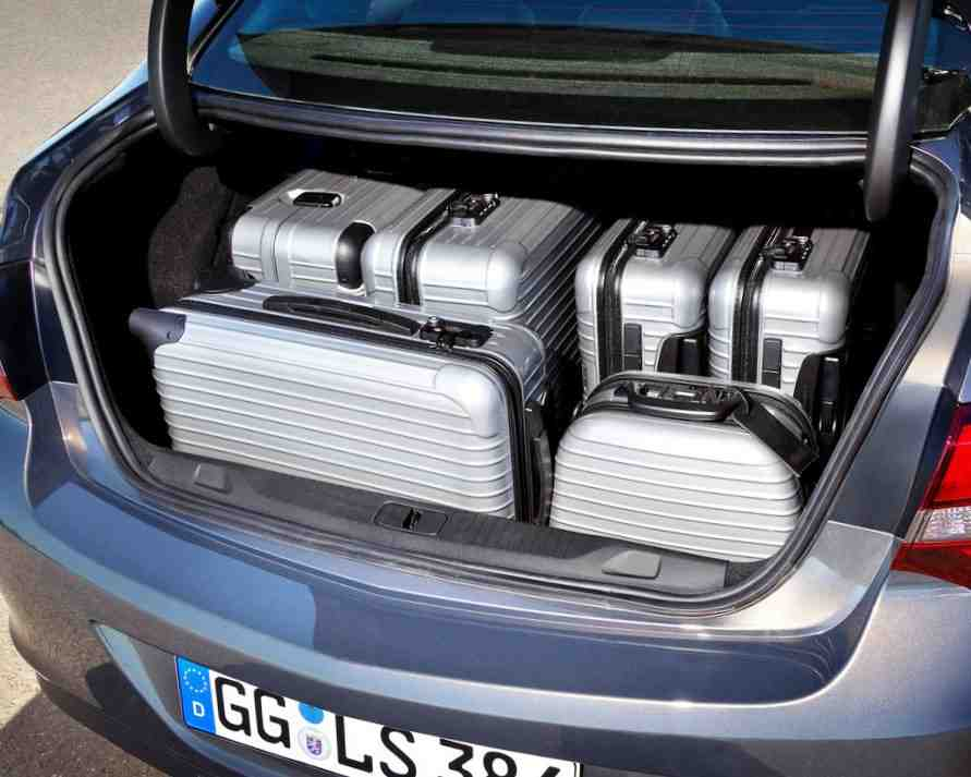 Багажник Opel Astra седан 2013
